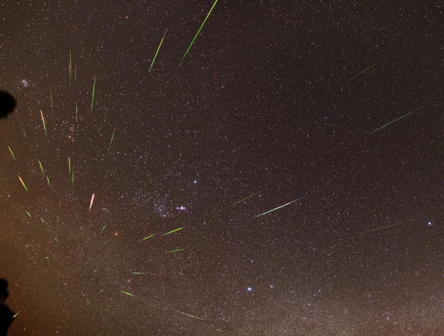 Orionid Meteors 1200px1 900x681 オリオン座流星群!2014年は10月21日が見ごろ!