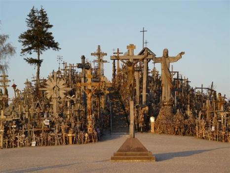 Kryziu kalnas 十字架の丘。50000を超える十字架がそびえる聖地!