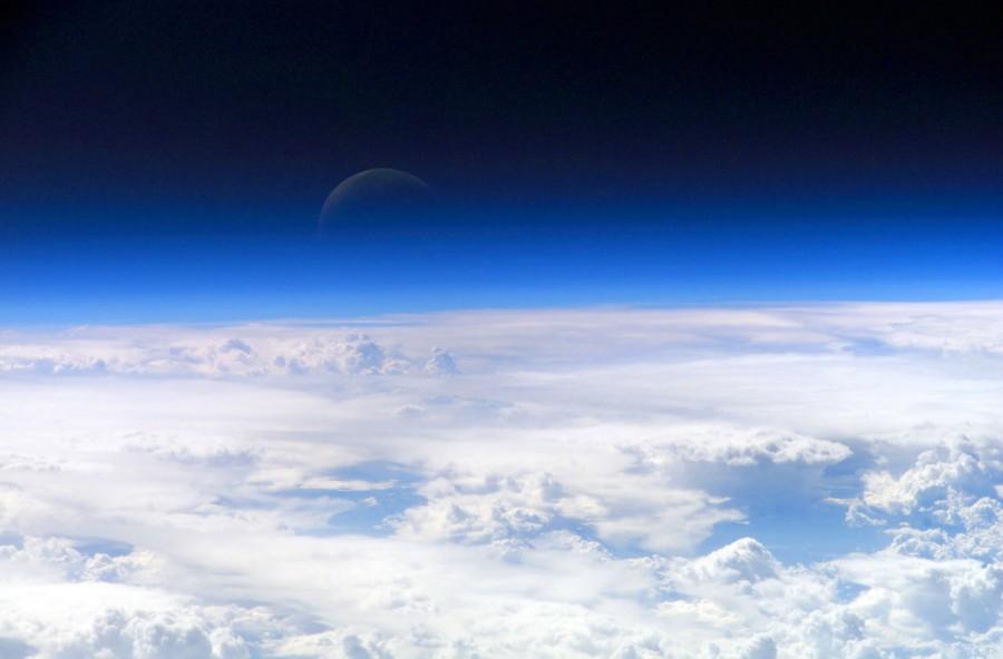 image 1441e Stratosphere 900x592 宇宙と地球の境界線。厳密には上空800km!