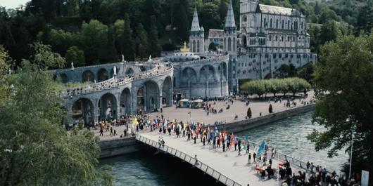 Lourdes 10 ルールドの泉。不思議な泉の湧き出るキリスト教の聖地。