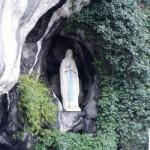 ルールドの泉。不思議な泉の湧き出るキリスト教の聖地。