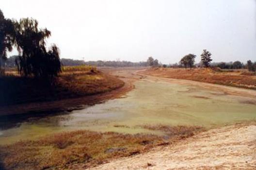 2010122615565631050 水は新しく生まれない。普段は忘れている水の循環。